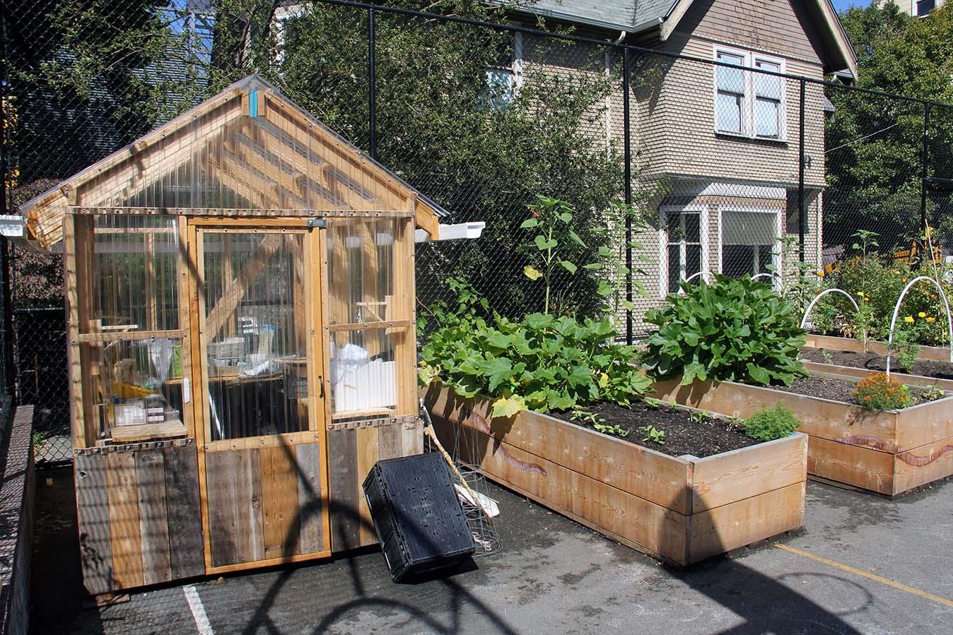 Facilities Urban Garden02